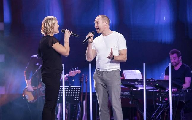 """De tidigare Jakobstadsborna Maria och Tomas Höglund tävlade som duo i """"The Voice of Finland: All Stars""""."""