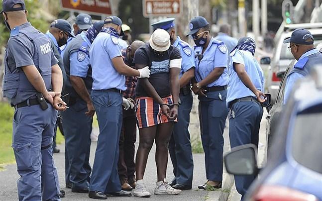 En misstänkt grips efter en skjutning vid en taxistation i Kapstaden i november 2020.