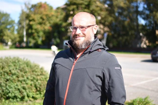 Frans Henriksons fond delar nu också ut bidrag för utvecklingsprojekt i Sydösterbotten. Martin Enroth hoppas att sökande är modiga och hittar på nya projekt utöver det normala.