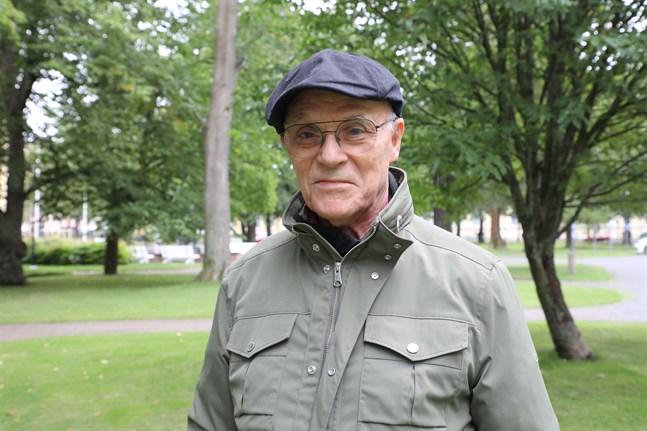 Tom Wilhelms känner extra varmt för sommarteater och för pjäser i det lilla och intima formatet.