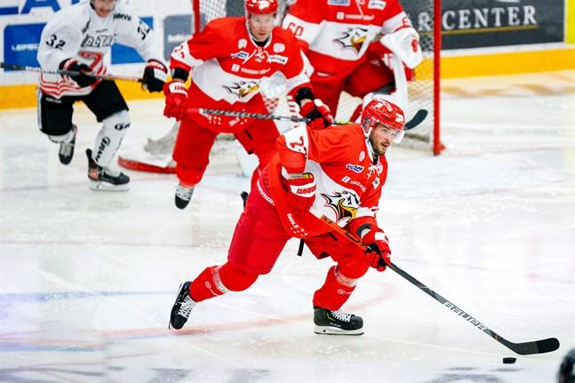 Sportfostrade Joni Nikko är tillbaka i Vasalaget efter en paus på 10 år.
