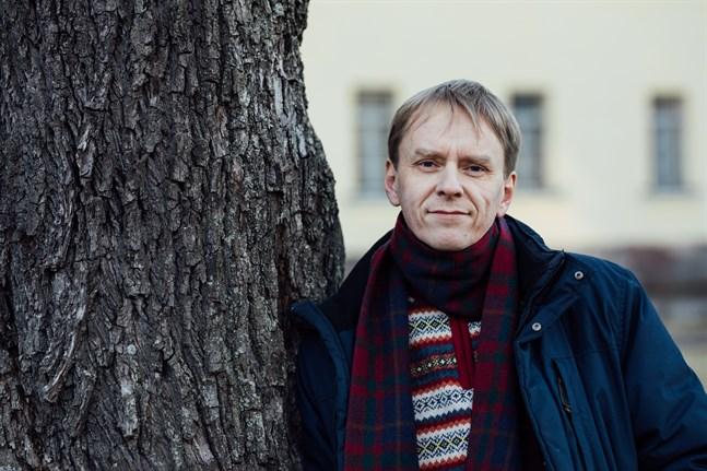 Anders Mård är uppvuxen i Kronoby, men fast bosatt i S:t Petersburg sedan 2002.