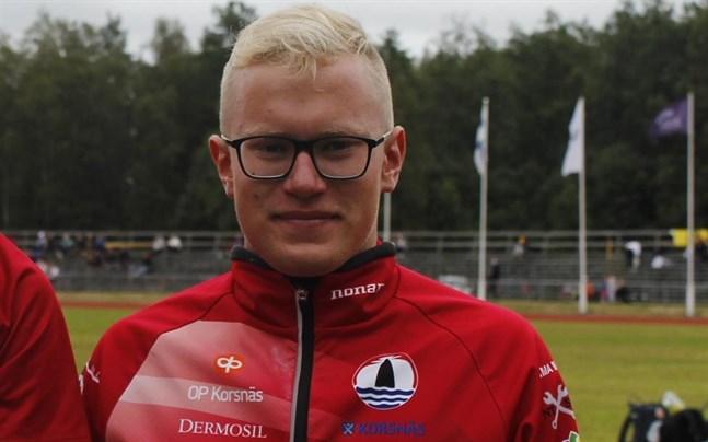 FM-medaljören Joel Blomqvist tog tog tre guld i H15 i distriktstävlingarna på Mosedal.