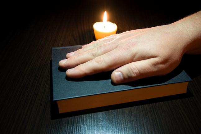 Religionen kan användas som ett maktmedel, anser skribenten.