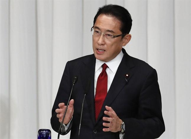 Fumio Kishida, som tidigare har varit utrikesminister, är en av dem som kan efterträda Yoshihide Suga. Arkivbild.