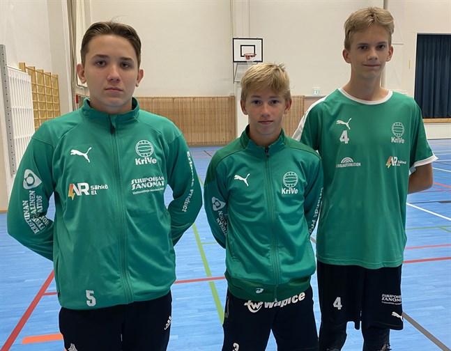Rasmus Lähteenmäki, till vänster, Sakari Ahonen och Riku Nevala ska spela om FM-medaljer för regionlag.