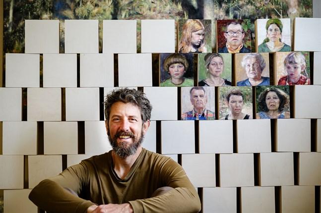 Zacheriah Kramer arbetar just nu med ett projekt som involverar 150 porträtt – och 150 människomöten.