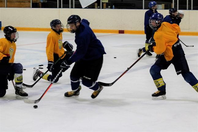 Krafts U19-lag kör en av de sista förberedande träningarna inför säsongstarten hemma på lördag.