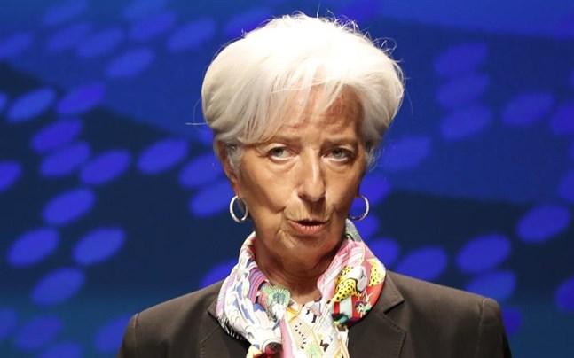 Europeiska centralbanken (ECB), med chefen Christine Lagarde, lämnar styrräntan oförändrad men drar ned på stödköpen.