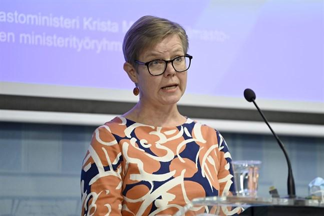 Miljö- och klimatminister Krista Mikkonen (Gröna) uppmanar även andra markägare att skydda sina skogar.