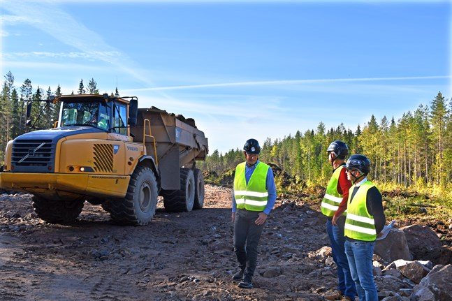 Gunnar Schwender, juridisk rådgivare CPC Germania, Markus Tacke, vd CPC Germania och Erik Trast, vd CPC Finland besökte projektområdet i Lappfjärd där markarbetena nyligen inletts.