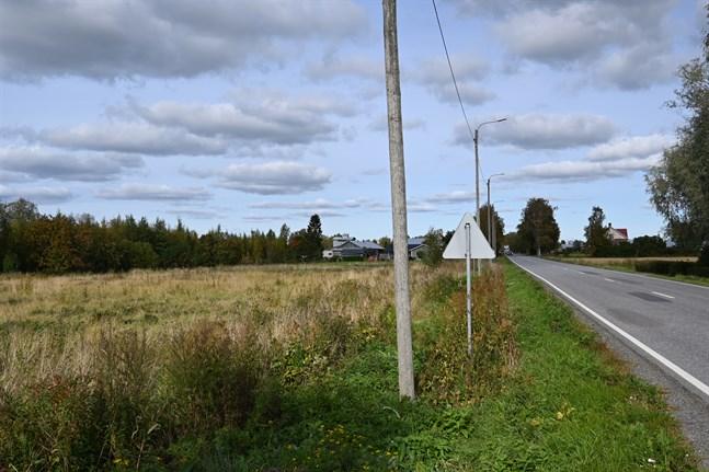 Detaljplanen ska ändras för den här tomten i Övermark så att man kan bygga en ny branddepå där.