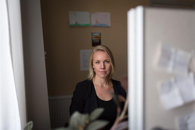 Carolin Harju-Ahlvik är forskadoktor i teologisk etik vid Åbo Akademi och forskar om vaccinattityder.