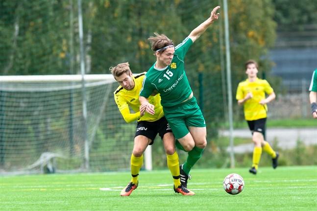 Sampo Rintala, till höger, blev matchhjälte för FC Kiisto.
