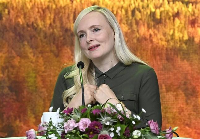 De Grönas ordförande Maria Ohisalo höll sitt linjetal under partikongressen på lördagen.