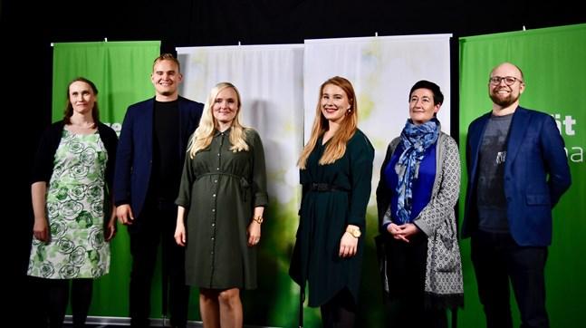 De Gröna valde även ny partiledning under kongressen. Från vänster: partifullmäktigeordförande Silja Keränen, vice ordförande Atte Harjanne, ordförande Maria Ohisalo, vice ordförande Iiris Suomela, vice ordförande Hanna Holopainen och partisekreterare Veli Liikanen.