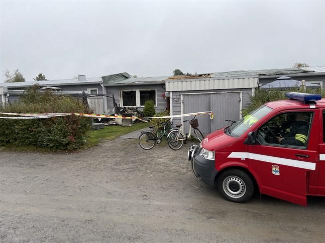 Vid 7-tiden på söndagsmorgonen var branden släckt.