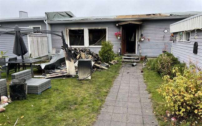 Den eldhärjade lägenheten totalförstördes i branden.