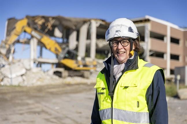 Ulla Mäki-Lohiluoma är vd för VP Facilities och hon ser fram emot att tillsammans med fastighetsbolagen Kvadraten och Famdell få börja bygga nytt på det gamla Wärtsiläområdet.