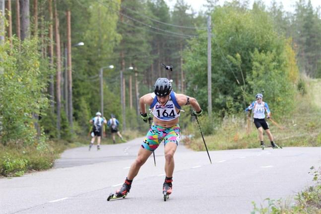 Patrik Kuuttinen tog två FM-silver i rullskidskytte i Hollola.