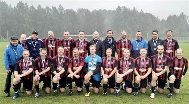 Det blev brons för Karlebylaget NoStars i helgens FM i Helsingfors.