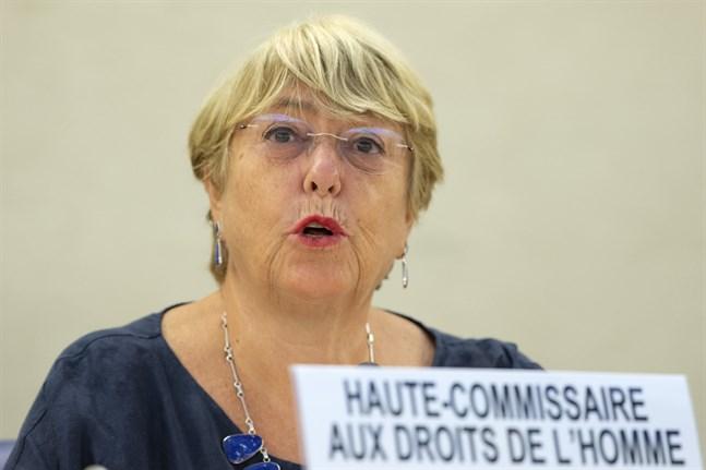 FN:s människorättschef Michelle Bachelet håller sitt anförande under FN:s råd för mänskliga rättigheter i Genève.