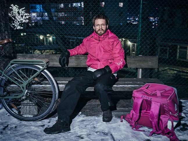 Under arbetet med boken cyklade Anders Teglund en sträcka motsvarande Kungsbacka–Kiruna. Mest intensivt cyklade han under pandemins andra våg.