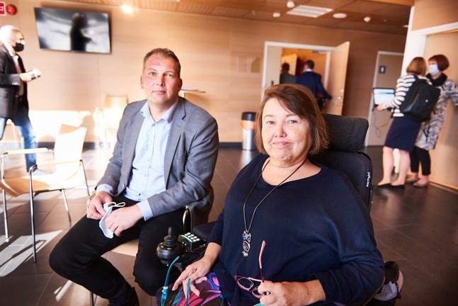 Viktor Kock och Carola Lithén skulle vilja ha mer tid för politikerna att sätta sig in i fördelar och nackdelar som Astersystemet kan föra med sig.