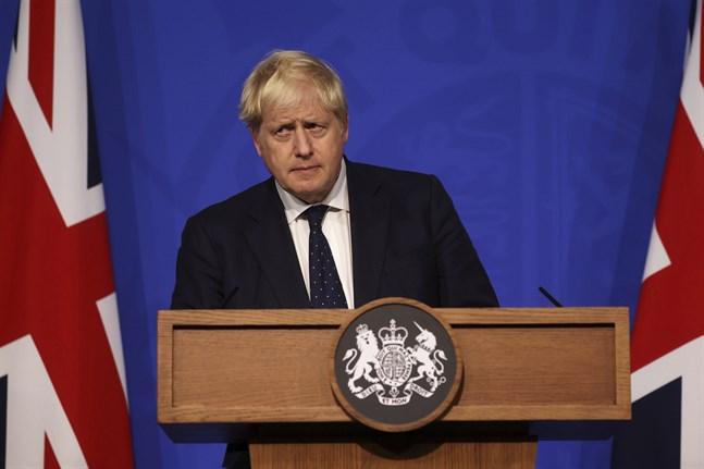 Storbritanniens premiärminister Boris Johnson håller pressträff om den den framtida covidstrategin.
