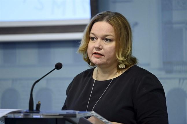 Familje- och omsorgsminister Krista Kiuru har fått många frågor från media om Kronoby den senaste tiden.