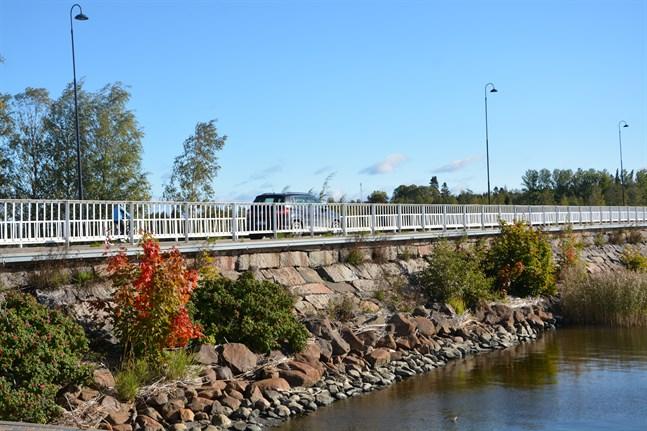 En förbättring av Stadsbron är ett projekt som Kristinestad vill få prioriterat då det gäller statliga trafikinvesteringar.
