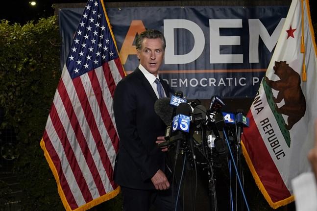 Invånarna i USA-delstaten Kalifornien har röstat nej till att avsätta guvernör Gavin Newsom.