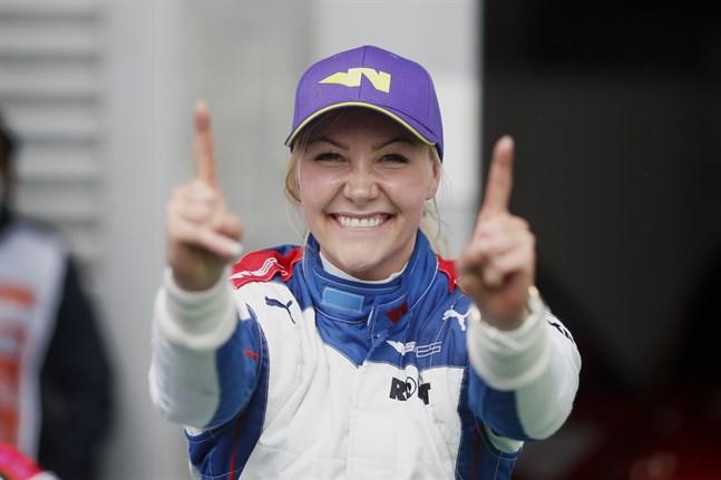 W Series har vuxit i popularitet och Emma Kimiläinen är en av stjärnorna i serien. I slutet av augusti vann hon deltävlingen på Spa i Belgien.