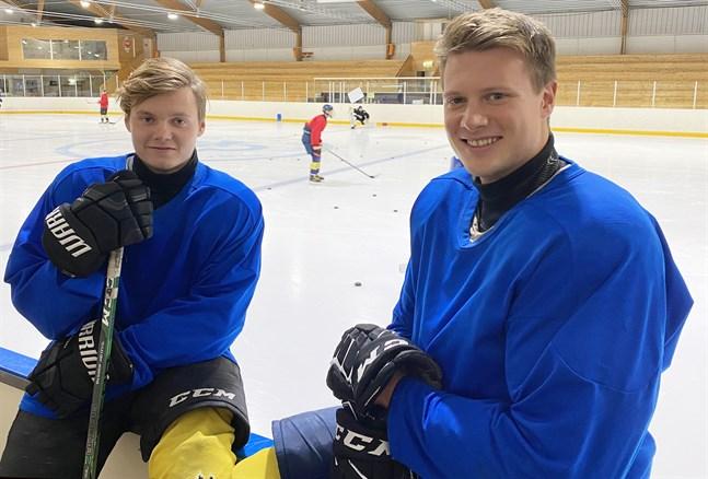 Bröderna Kevin, till vänster, och Hampus Snickars har stora roller i årets Kraft hockey.