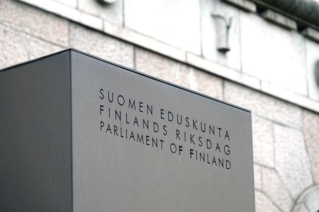 Regeringen överlämnade sitt förslag till riksdagen förra veckan.