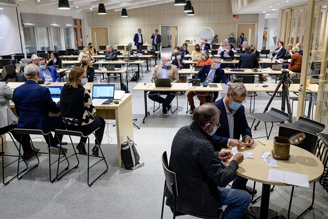 När rösterna räknats hade Martin Norrgård blivit vald till stadsdirektör i första omgången.