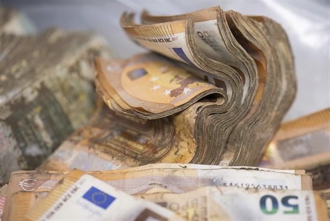 Eurosedlarna blir allt mindre värda. Arkivbild.