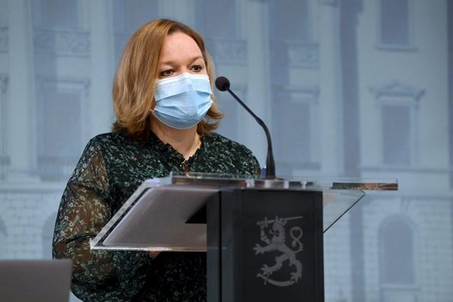 Enligt familje- och omsorgsminister Krista Kiuru (SDP) har Finland reserverat en tredje vaccindos mot coronaviruset för alla finländare över 12.