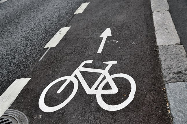 En cyklist dog i en trafikolycka i Kotka på lördagen