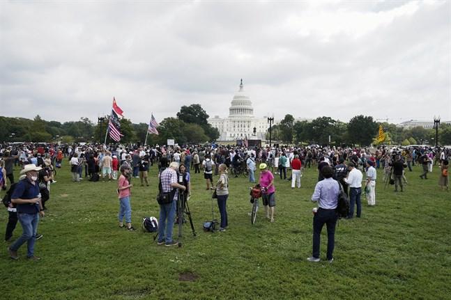 Aktivister samlades utanför Kapitolium på lördagen.