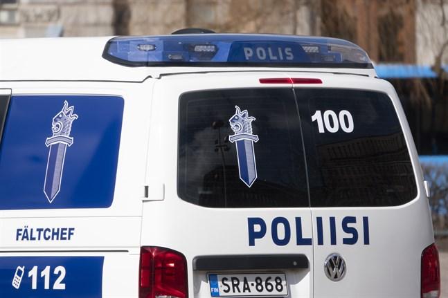 Ett misstänkt våldsbrott sysselsätter polisen i Kyrkslätt.