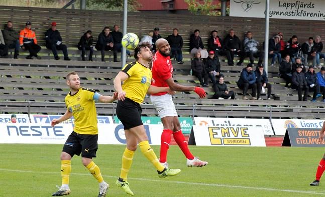 Ousman Jallow var på hugget mot IK Myran och gjorde två mål då Kristinestadslaget tog tre viktiga poäng.