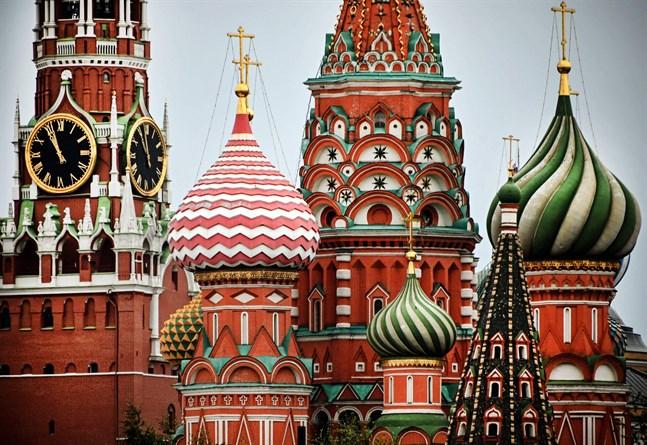 Oberoende bedömare har kallat det ryska valet riggat och orättvist med ett valresultat som styrts från Kreml.