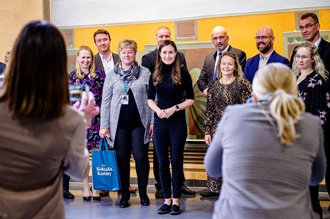 Statsminister Sanna Marin träffade Karlebys ledning under sitt besök i staden.