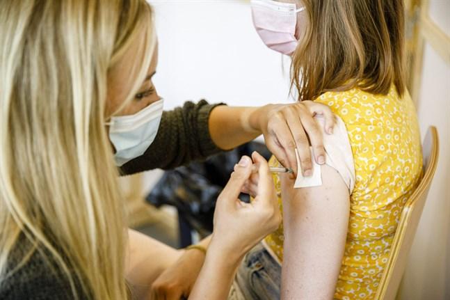 Den tredje dosen förstärker och förlänger skyddet för de som har vaccinerats för länge sedan och för dem som vaccinerades med ett dosintervall på 3 till 4 veckor.