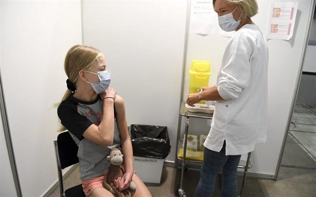 Av de som fyllt 12 år har 83,3 procent fått första dosen coronavaccin medan 66,6 procent har fått två doser.
