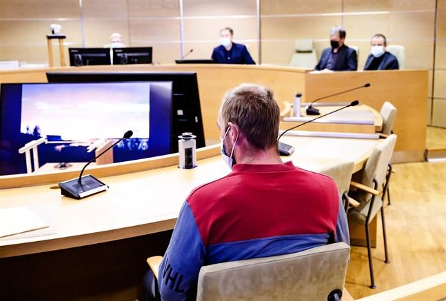 Domen i fallet med mannen som åtalats för försök till mord ges under onsdagen.