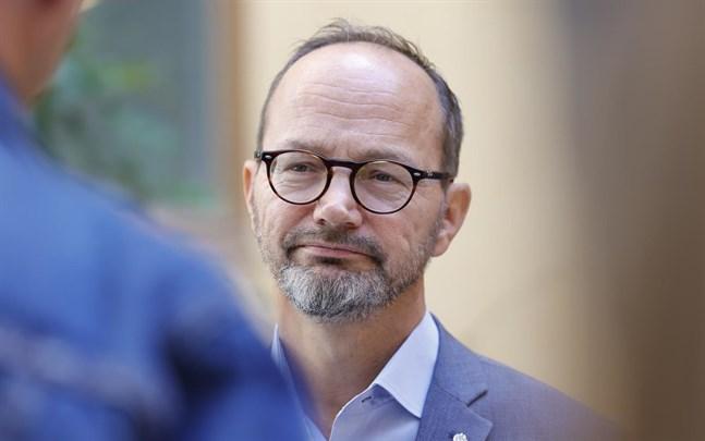 Sveriges infrastrukturminister Tomas Eneroth (S) vill tidigarelägga infrastruktursatsningar i norr.