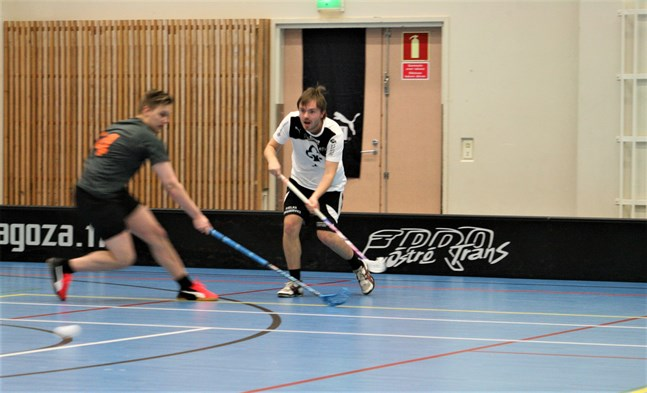 Vikings spelande tränare Jesper Prinsén väntar ivrigt på att innebandysäsongen ska köra igång efter en lång paus.