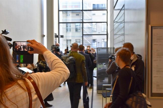 Medieintresset var stort för mordrättegången mot den danske mannen i Åbo i maj. Nu kan ärendet fortsätta till hovrätten.